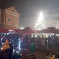 """Božićni koncert u """"Napretkovom"""" domu, """"Afrodita band"""" na Trgu fra Grge Martića"""